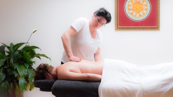 Massagepraktijk Ontspanning - Nicolien Ietswaard - massage collage - rugmassage overzicht