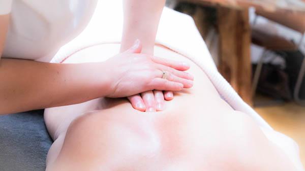 Massagepraktijk Ontspanning - Nicolien Ietswaard - massage collage - rugmassage