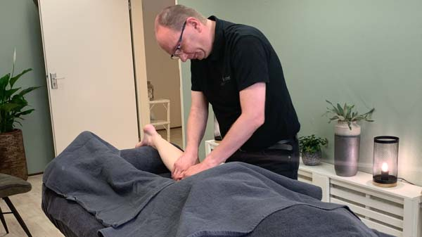 MyoMind Massage - Massagepraktijk collage - Edwin Ietswaard - Kuitmassage 2